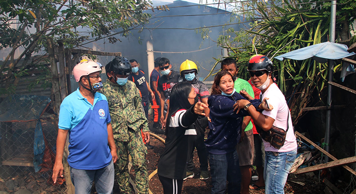 AID TO FIRE VICTIMS: 53IB Provides Assistance to Fire Victims at Barangay Culo, Molave, ZDS